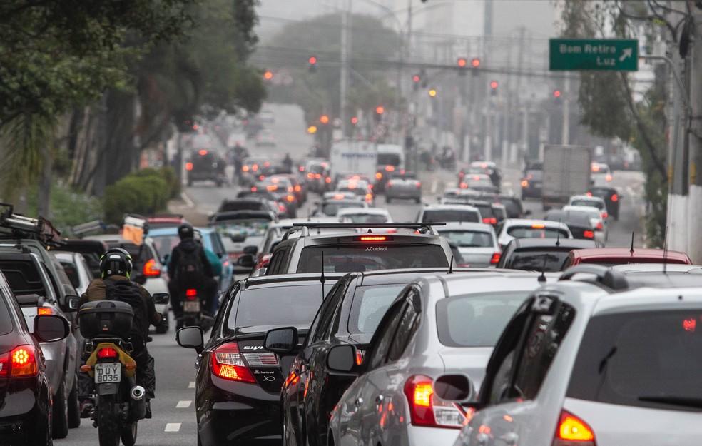Rodízio de veículos na cidade de SP passa a ser das 23h às 5h a partir desta sexta (09)